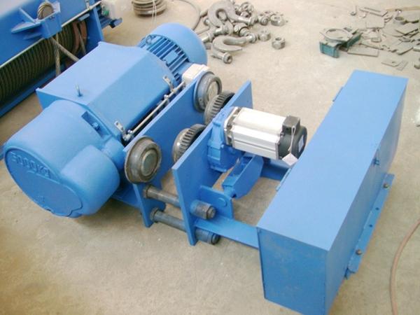 Low-Headroom-Electric-Engine-Hoist